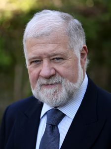 Professor Daniel Bessa